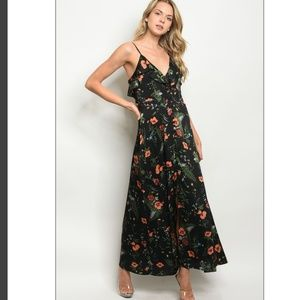 🔥Last 2!!Paris Black floral maxi dress